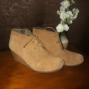 Bobs by Skechers Tan High Notes Wedge Booties 9.5
